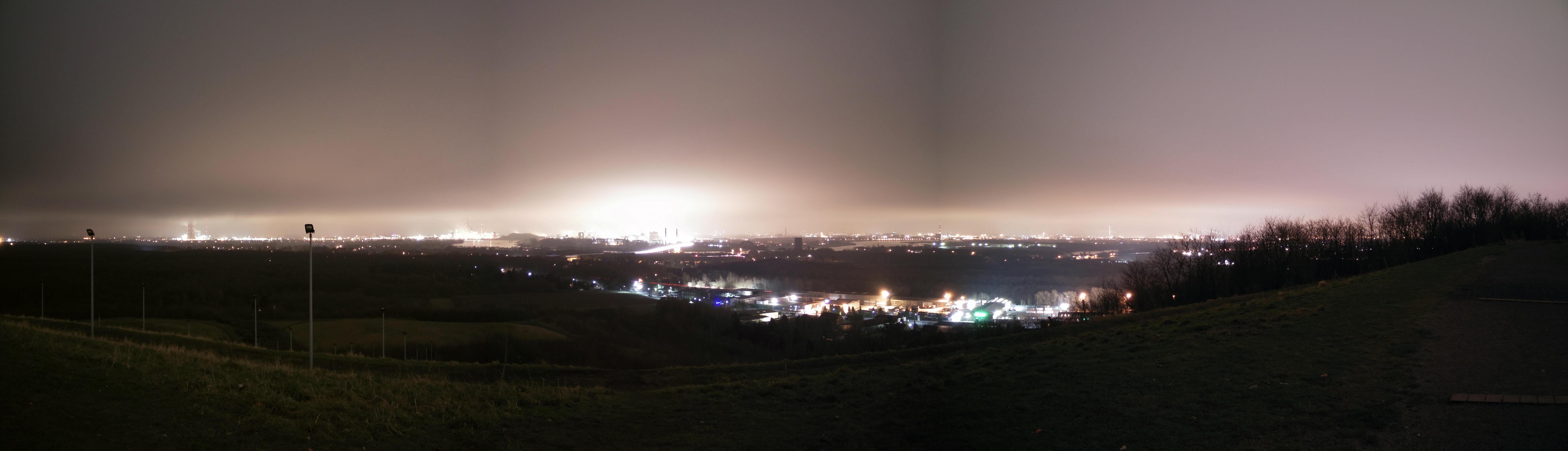 Motiv: Duisburg bei Nacht